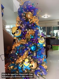 pino navideo decorado de minions por nora gallegos minion christmas christmas tree decorations christmas
