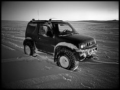 Suzuki jimny in the snow