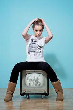 Box Tv, Tees, Fashion, Moda, T Shirts, Fashion Styles, Fashion Illustrations, Teas, Shirts