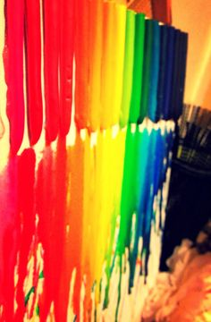 How to Make Melted Crayon Art. Awesome for teacher gifts!!!!