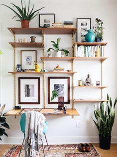 DIY MID-CENTURY DESK WALL UNIT — OLD BRAND NEW http://www.oldbrandnew.com/blog/dbrandnewblog.com/2014/11/diy-mid-century-desk-wall-unit.html #DIYwallunit #midcenturydesign #DIYshelves