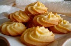 Easy to make and fun to eat! These cream cheese spritz cookies are made with a cookie press, and are soft, buttery, sweet and delicious! Baking Recipes, Cookie Recipes, Dessert Recipes, Melting Moments Cookies, Spritz Cookies, Meringue Cookies, Shortbread Cookies, Russian Recipes, Sweet Recipes