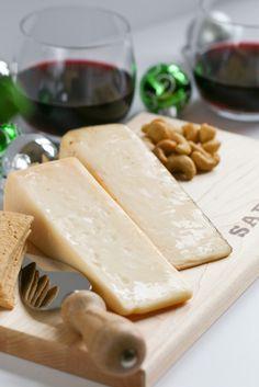Easy entertaining with Sartori cheese Sartori Cheese, Cheese Display, Best Cheese, Cheese Boards, Easy Entertaining, Wine Time, How To Make Cheese, Charcuterie Board, Antipasto