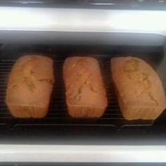 Janet's Famous Banana Nut Bread Allrecipes.com
