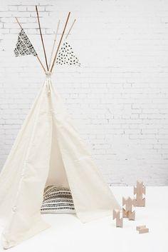 Tipi tent for kids Deco Kids, Teepee Tent, Diy Teepee, Zara Baby, Deco Design, Kids Corner, Kidsroom, Kid Spaces, Kids Decor