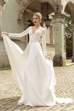 b5557055ceed Long-sleeved Beach Bridal Dresses Lace V-neckline Bodice