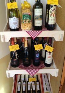 Da noi trovate i vini tipici delle Marche: Rosso Conero,Rosso Piceno,Verdicchio,Passerina,Pecorino,Lacrima di Morro D'Alba,vino cotto,vino di visciole etc