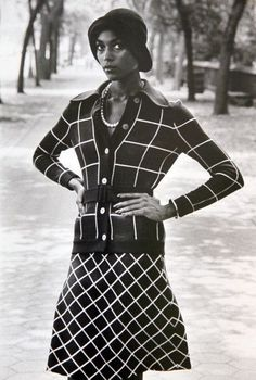 black women models close up Retro Fashion, Vintage Fashion, Victorian Fashion, 1920s Looks, African American Fashion, Vintage Black Glamour, Renaissance Fashion, Harlem Renaissance, Mode Vintage