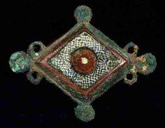 """Roman fibula w mosaic glass inlay, II c. AD, 2"""" x1.6"""". http://www.edgarlowen.com/a52/b6361.jpg"""