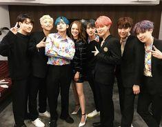 190414 BTS with Emma Stone for 'Saturday Night Live' Jungkook Jeon, Kim Namjoon, Kim Taehyung, Bts Bangtan Boy, Seokjin, Jhope, Jung Hoseok, Park Ji Min, Billboard Music Awards