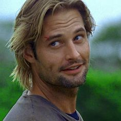 """This is a classic Sawyer face. I can so see him sayin something like """"catcha later freckles"""" Josh Holloway. This is a classic Sawyer face. I can so see him sayin something like """"catcha later freckles"""" Josh Holloway, Lost Sawyer, Serie Lost, Serie Tv, James Ford, Lost Tv Show, Handsome Male Models, Movies And Series, Tv Series"""