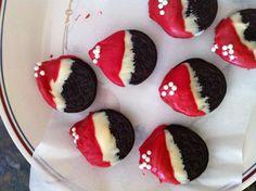 Ores cookie Santa hats