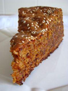 Este é o meu bolo de caramelo, hoje com umas sementes à mistura (sementes de papoila e sésamo). Se quiser ponha as sementes em opcional ...