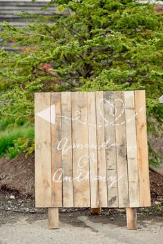 wood panels // photo by Swoon Over It // View more: http://ruffledblog.com/romantic-terrain-wedding/