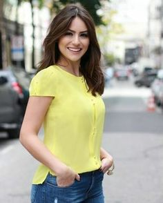 Stylish Inspiration Casual Outfit Ideas for Beautiful Women to Look Attractive Dress Outfits, Casual Outfits, Fashion Outfits, Casual Wear, Womens Fashion, Blouse Styles, Blouse Designs, Moda Chic, African Dress
