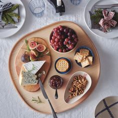 IKEA's new holiday collection is the epitome of cozy Scandi style Ikea New, Scandi Style, Scandinavian Style, Breakfast In Bed, Wood Veneer, Dinner Table, Cleaning Wipes, Cheese, Ethnic Recipes