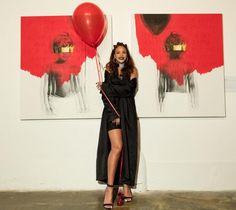 "Rihanna and artist Roy Nachum at Rihanna's album artwork reveal for ""ANTI"" at MAMA Gallery on October in Los Angeles. Jay Z, Looks Rihanna, Rihanna Style, Rapper, Musica Pop, Rihanna Photos, Rihanna Outfits, Horror"