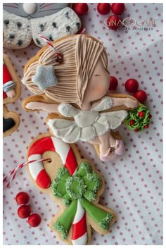 Lo Schiaccianoci – Gina's cake and icing cookie Royal Icing Cookies, Sugar Cookies, Christmas Cookies, Christmas Ornaments, Biscotti Cookies, Sugar Art, Cookie Decorating, Party Favors, Biscuits