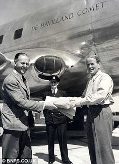 John Cunningham (right) was the test pilot for the DH Comet - the worlds first passenger jet De Havilland Comet, South African Air Force, F14 Tomcat, Retro Pictures, Commercial Aircraft, Royal Air Force, Retro Futurism, Military Aircraft, Night Time