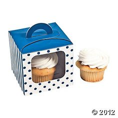 Blue Polka Dot Cupcake Boxes With Handle. Cupcakes as favors to take home?