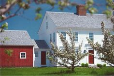 View House Plans & Photos of Our Designs - Connor Homes New England Farmhouse, Red Farmhouse, Farmhouse Front Porches, Farmhouse Plans, Farmhouse Design, Modern Farmhouse, New England Homes, New Homes, Connor Homes