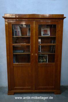 Biedermeier Vitrine Bücherschrank, Bookcase, 1820s, antique, restored, Cabinet