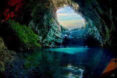 メッサリーニ洞窟(ギリシャ)