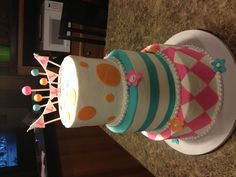 Vintage Circus Cake @Tyia Franklin is this something you'd like?