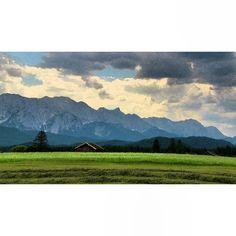 #abendstimmung im #wettersteingebirge aufgenommen zwischen #krün und #wallgau nach der #tour durch die #finzbachklamm #bayern #oberbayern #bavaria #alps #alpen #bavarianalps #clouds #nature #nature_lovers #berge #beautifulplace #mountains #landscape #bd #bdphotoshare #Padgram