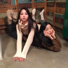 Find images and videos about friends, korean and ulzzang on We Heart It - the app to get lost in what you love. Ulzzang Girl Fashion, Ulzzang Korean Girl, Ulzzang Couple, Foto Best Friend, Best Friend Fotos, Couple Girls, Black Pink Jennie Kim, Lgbt, Korean Best Friends