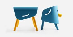 Elephant chair and table / Side view