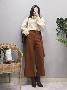 Streetwear for Women. 41 Comfy Casual Womens Outfits For Winter. Winter Fashion Style for Girls and Women. Source by seerarrun casual Korean Fashion Casual, Korean Girl Fashion, Korean Fashion Trends, Ulzzang Fashion, Korean Street Fashion, Korea Fashion, Korean Outfits, Modest Fashion, Asian Fashion