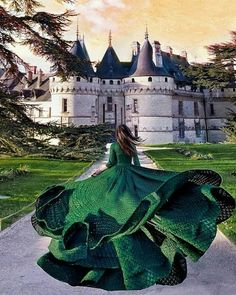 [New] The Best Home Decor Ideas Today (with Pictures) - These are the best home decor ideas today (with pictures). Fantasy Photography, Girl Photography, Creative Photography, Fashion Photography, Foto Picture, Fairytale Fashion, Fantasy Gowns, Princess Aesthetic, Girls Dream