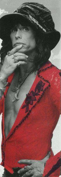 LOVE me some Steven Tyler!!!!!!!!!!!