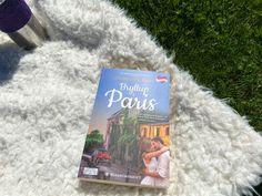 Når din beste venn skal gifte seg, og du slettes ikke vil se at det skjer 😅 Venninnen får overtalt henne, og sammen reiser de til Paris hvor flere ting kan skje #bøker #books #bookstagram #bookblogger Paris, Cover, Books, Voyage, Montmartre Paris, Libros, Book, Paris France, Book Illustrations