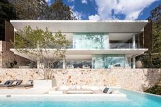 The Waterfront Retreat - Koichi Takada Architects - Sydney New Modern House, Newport House, Sandstone Wall, Sandstone Cladding, Building A Pool, Waterfront Property, Flat Roof, Resort Style, Luxury Houses