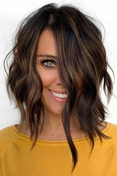 Long Wavy Layered Bob If you are searching for the perfect short hairstyles for fine hair to suit you we hope to be able to help with that decision. Lets explore some options. Oblong Face Hairstyles, Long Face Haircuts, Bob Hairstyles For Fine Hair, Lob Hairstyle, Trendy Hairstyles, Modern Haircuts, Wedding Hairstyles, Hairstyles Haircuts, Short Hair Cuts