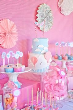 """Photo 2 of 20: Vintage Hot Air Balloon Baby Shower / Baby Shower/Sip & See """"Vintage Hot Air Balloon Baby Shower""""   Catch My Party"""