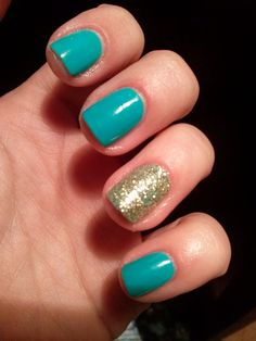 green&gold nails