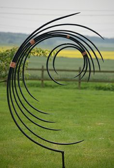 Look at here now diy welding projects ideas Welding Art Projects, Metal Art Projects, Diy Projects, Metal Yard Art, Scrap Metal Art, Metal Art Sculpture, Steel Sculpture, Metal Welding, Diy Welding