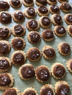 kelfstrobakar.se - Twix kakor Cheesecake, Desserts, Food, Tailgate Desserts, Deserts, Cheesecakes, Essen, Postres, Meals