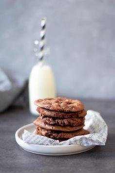 Dress Cake, Kakao, Biscotti, Chocolate, Desserts, Food, Kitchen Ideas, Rhubarb Recipes, Puding Cake