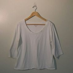 Coldwater Creek White 3/4 Sleeve Large Shirt Crisp white linen Coldwater Creek shirt. A 3/4 length sleeve and flared bottom make this a flattering yet simple top. Size Large. Coldwater Creek Tops Tees - Short Sleeve