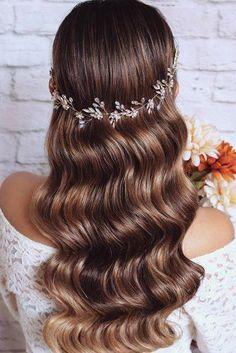 Wavy Wedding Hair, Classic Wedding Hair, Wedding Hairstyles For Long Hair, Wedding Hair And Makeup, Bride Hairstyles, Down Hairstyles, Prom Hair, Timeless Wedding, Updos Hairstyle