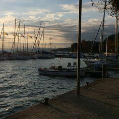 The marina at Garda on Lake Garda 🇨🇮 #lakegarda #garda #boatharbourgarda #travelitaly bethereorbesquare #myitaliandreams #sunset
