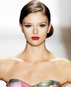 Side Knot Hair Style