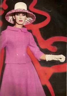 Photo by William Klein for Vogue, March 1962