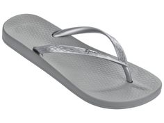 The incredible comfort and supple cushioning of Ipanema's 'Anatomic' footbed is now available in a variety of basic colors. It will be hard to choose between basic black, true all over metallics, or b Chanclas Ipanema, Ipanema Flip Flops, Beach Flip Flops, My Bags, Up Styles, Basic Colors, Flipping, Clogs