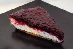 Low Carb Deserts - Life in Ketosis! Keto Cheesecake ** Make this - Low Carb Deserts - Life in Ketosis! High Carb Foods, Low Carb Diet, Ketogenic Recipes, Low Carb Recipes, Ketogenic Diet, Ketosis Diet, Pie Recipes, Recipies, Healthy Desserts