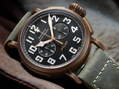 Bronze case, big onion crown, big luminescent indices and more are waiting for you in our latest article of the Zenith Heritage Pilot Extra Special Chronograph. See what you can look forward to in the new 2017 release